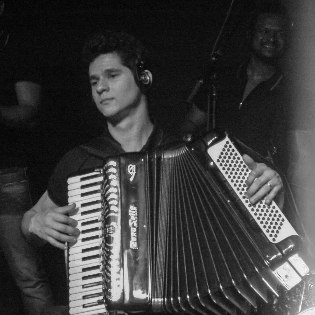 Douglas Marcolino - Brasil / França