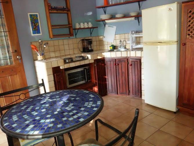 ocotol kitchen2.jpg