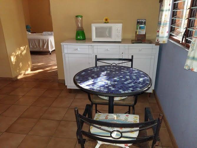 ocotol kitchen3.jpg