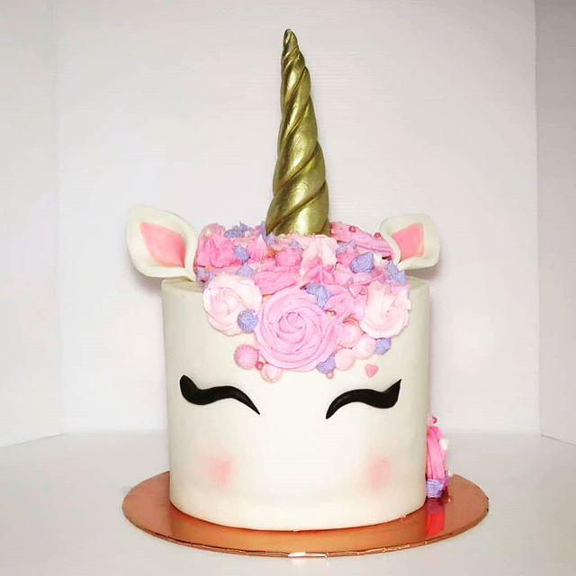 Nothing like a classic unicorn cake👩‍🍳