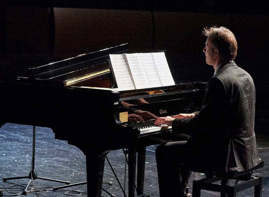 Attila Fias - solo piano
