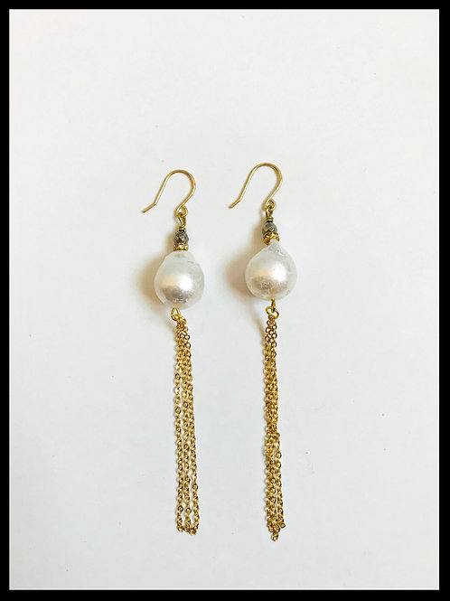 Pearl Gold Chain Tassel Earrings