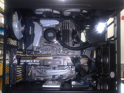 GPU、メモリ、CPU、CPUクーラーを装着