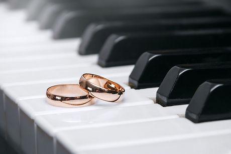 wedding-rings-3588313_1920.jpg