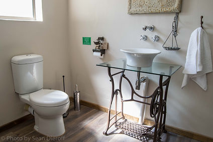 Maluti View Bathroom 3.jpg