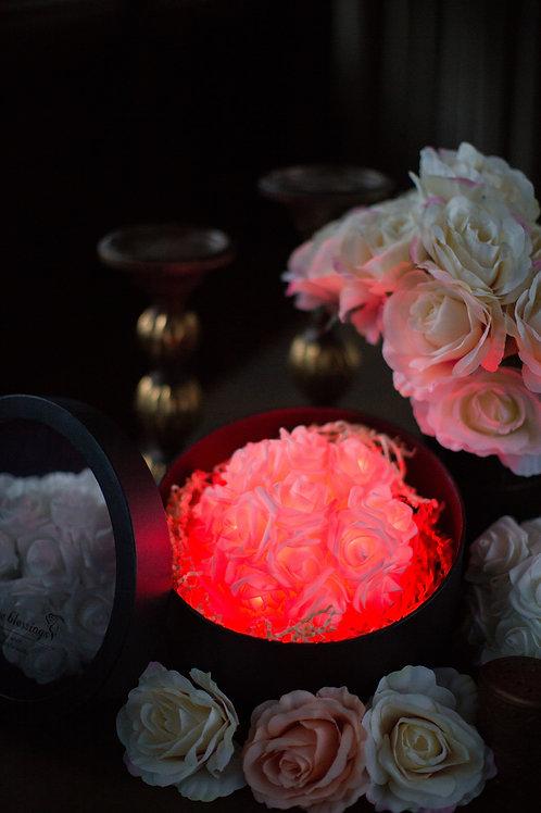 現貨 - 39朵韓式閃亮玫瑰圓形花盒 (熱情紅光)