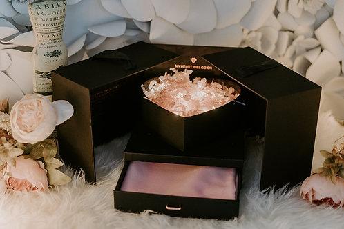 現貨 - 韓式發光永生花頸巾首飾盒 (甜美粉紅花 + 粉紅色頸巾)