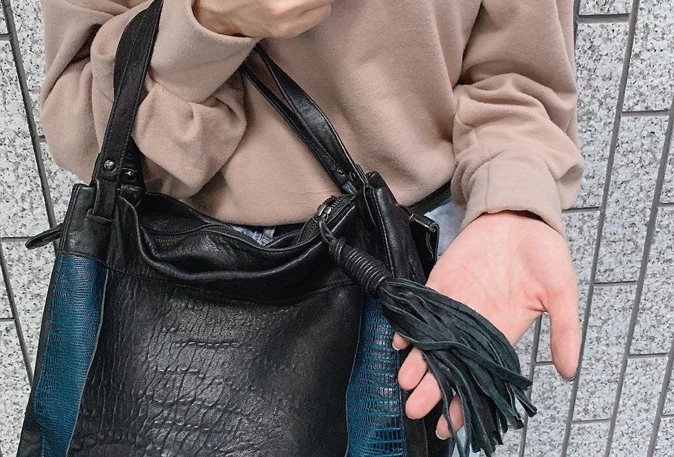 韓式併皮斜揹手挽雙用皮包 [黑+藍色]