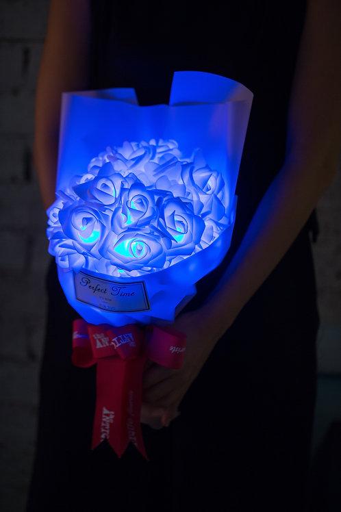 現貨 - 39朵 閃亮玫瑰花束 (粉紅紙秀麗藍光)