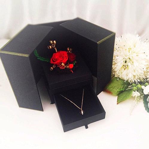 [恒生員工限時優惠] 現貨 - 韓式永生玫瑰花首飾盒 + 玫瑰金鈦鋼頸鏈(紅色)