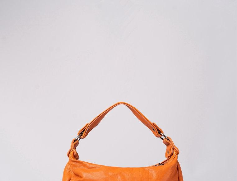 編織車花設計羊皮斜揹手挽包
