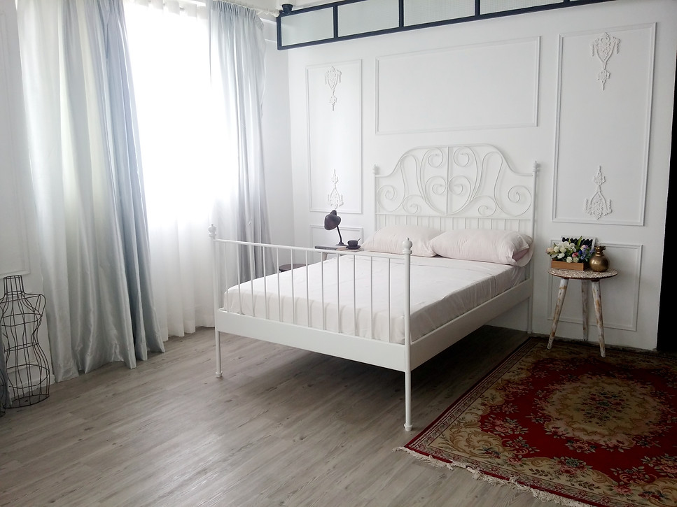 bed frame,furniture,room,floor,bed