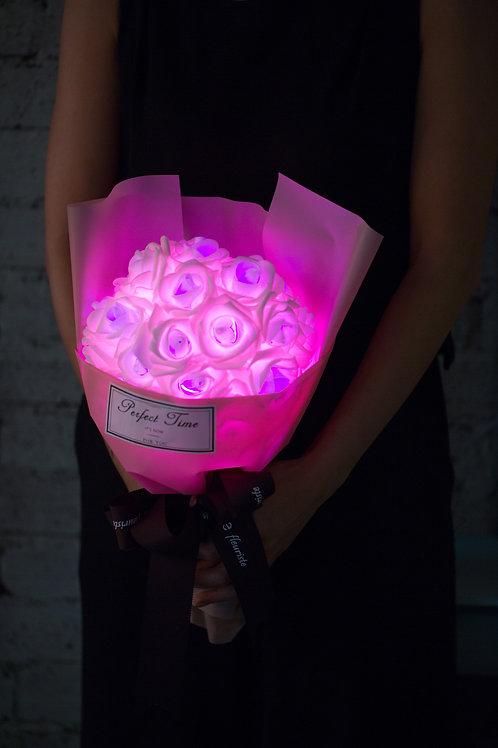 現貨 - 39朵 閃亮玫瑰花束 (粉紅紙粉甜美粉紅光)