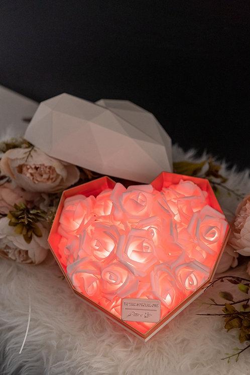現貨 - 韓式心型閃亮玫瑰花盒(白盒,熱情紅光)