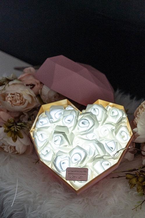 現貨 - 韓式心型閃亮玫瑰花盒(粉紅色盒,純潔白光)