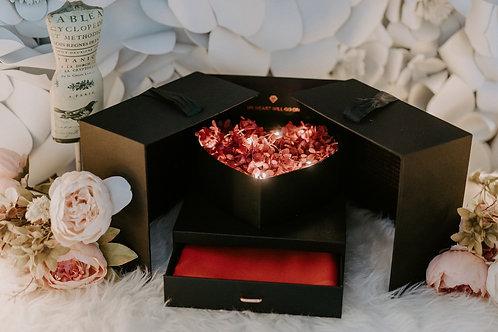 現貨 - 韓式發光永生花頸巾首飾盒 (熱情紅花 + 紅色頸巾)