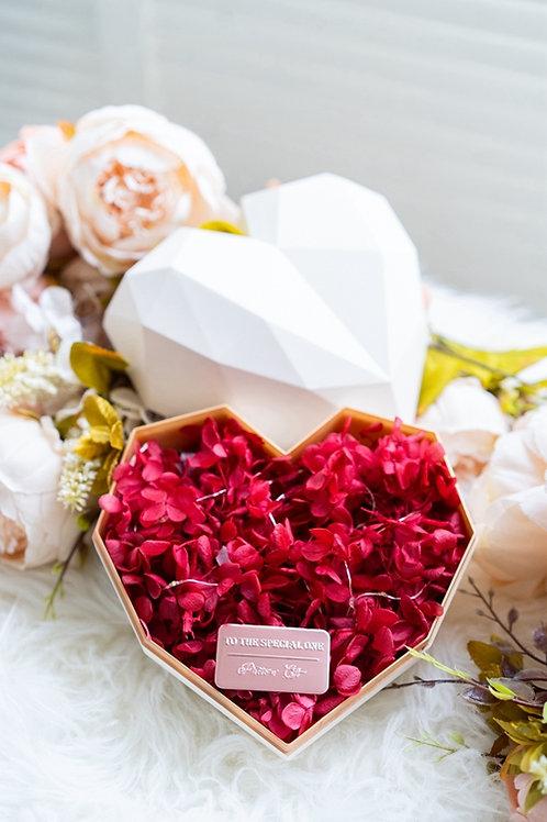 現貨 - 韓式心型永生花盒 (白色盒 - 熱情紅花)