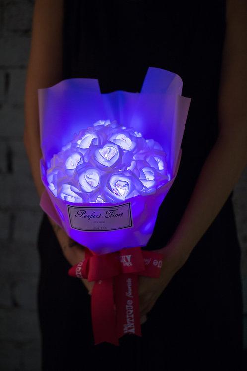 現貨 - 39朵 閃亮玫瑰花束 (粉紅紙浪漫紫光)