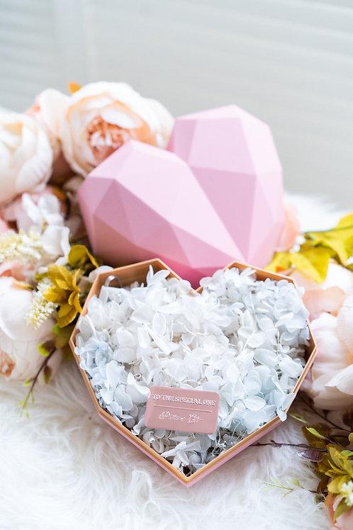 現貨 - 韓式心型永生花盒(粉紅色盒,純潔白花)