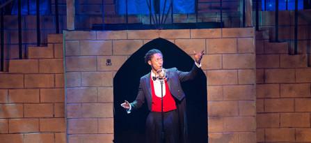 Garrick Vaughan as Agustin Magaldi