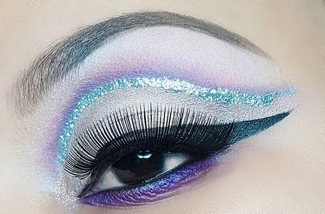 Glitter Cut Crease Makeup
