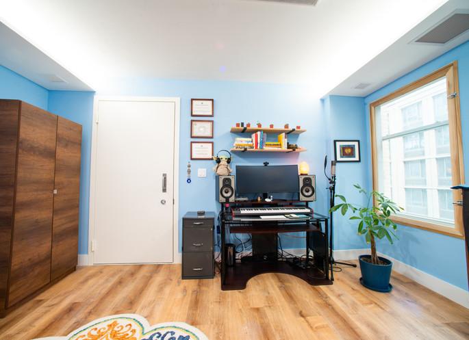 Katy Pfaffl Studio recording workstation