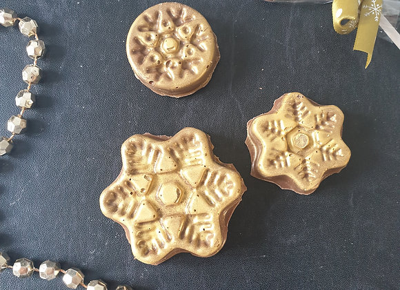 Gingerbread salted caramel snowflakes