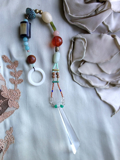 rainbow maker// shard crystal
