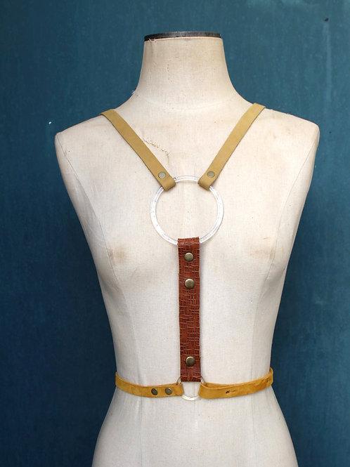 lucite harness/// sand