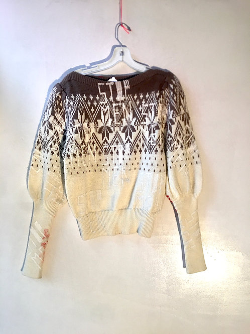 Vintage sweater size sm 80s  shoulders 14 inches waist 9in chest 15.5 in