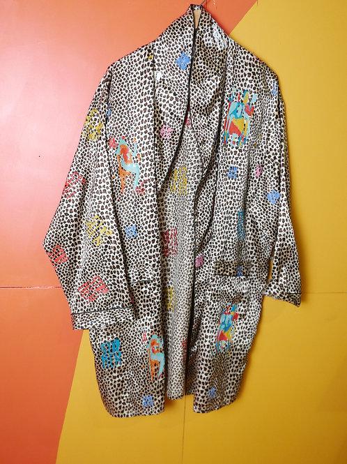 robe Shoulders 22in Chest 30in Length 40in