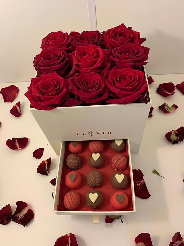 Bees Barfi Valentine Special 21 Roses &