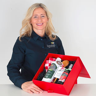 Brie with Giftbox Square II.jpg