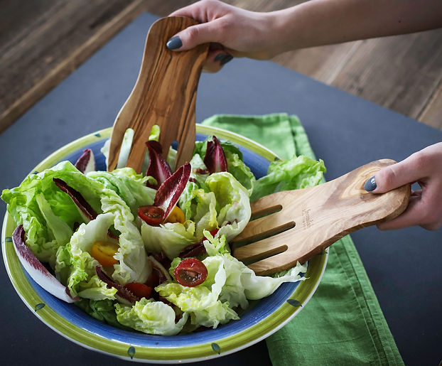 Olive_Wood_Salad-forks_Hands.jpg