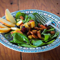 Start the meal with a healthy salad and loose weight