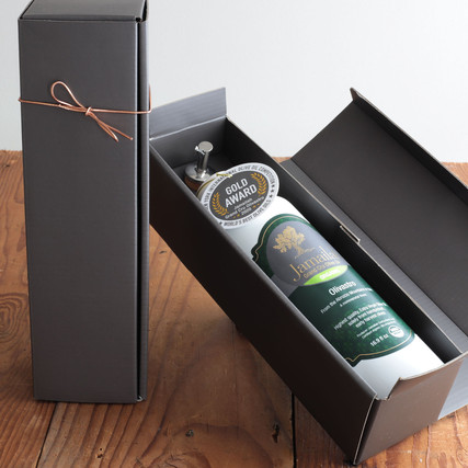 Award-winning Olive Oil from Italy in the clay bottle