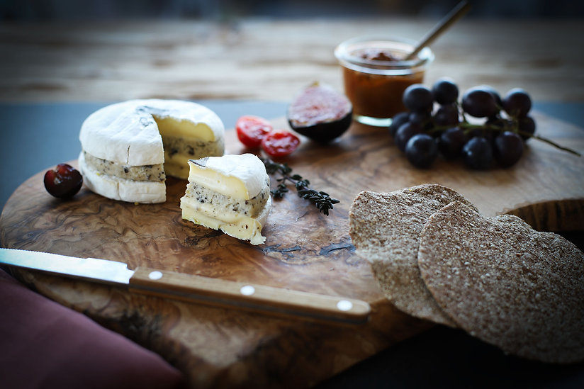 Truffle-Cheese-with-fruits-2019.jpg