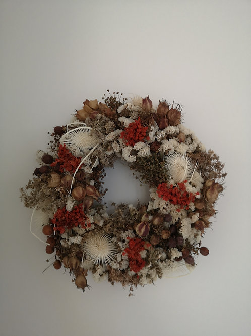 """Winnie"" Dried Flower Wreath"
