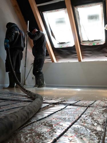 Nad podlahovku nám stačí krytí jen 3,5 cm anhydritu