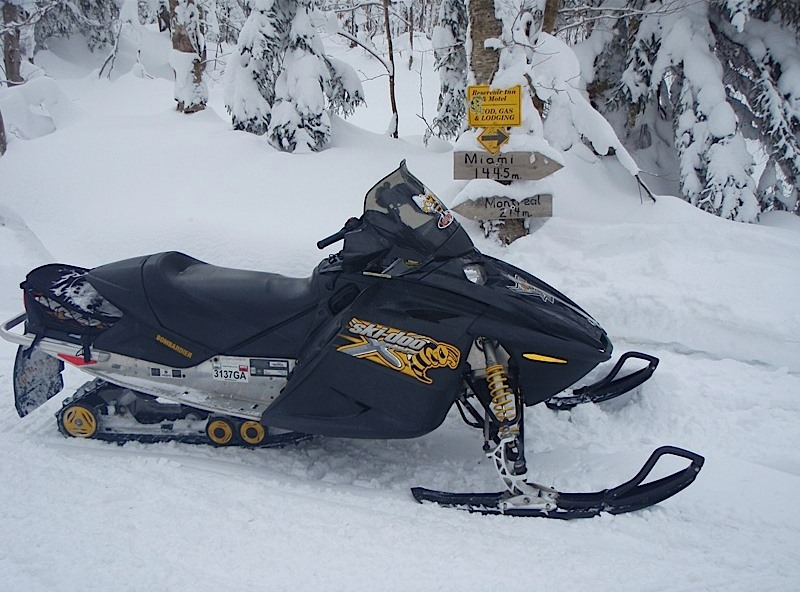feb 14 snowmobile 018.jpg