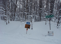 feb 14 snowmobile 046.jpg