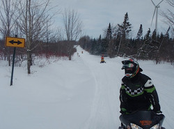 feb 14 snowmobile 053.jpg