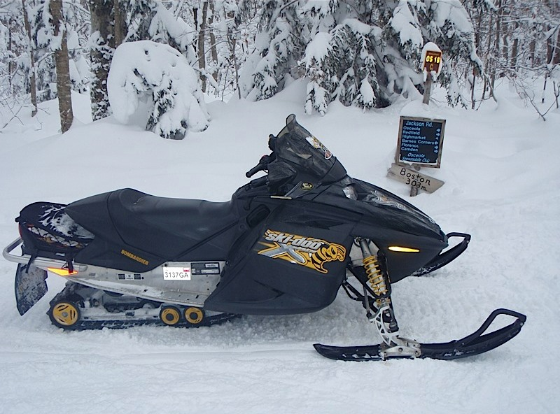 feb 14 snowmobile 017.jpg