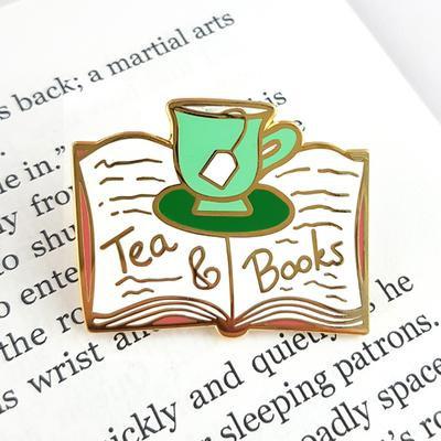 Tea & books lapel pin