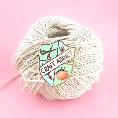 Craft addict lapel pin