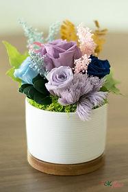 table_arrangement_round_purple.jpg