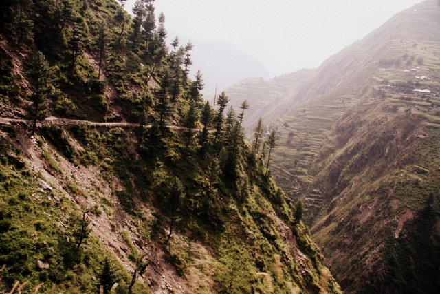 The road through Kaghan Valley is a picturesque route. It's an alternative to the Karakoram highway, connecting Taxila to Chilas.