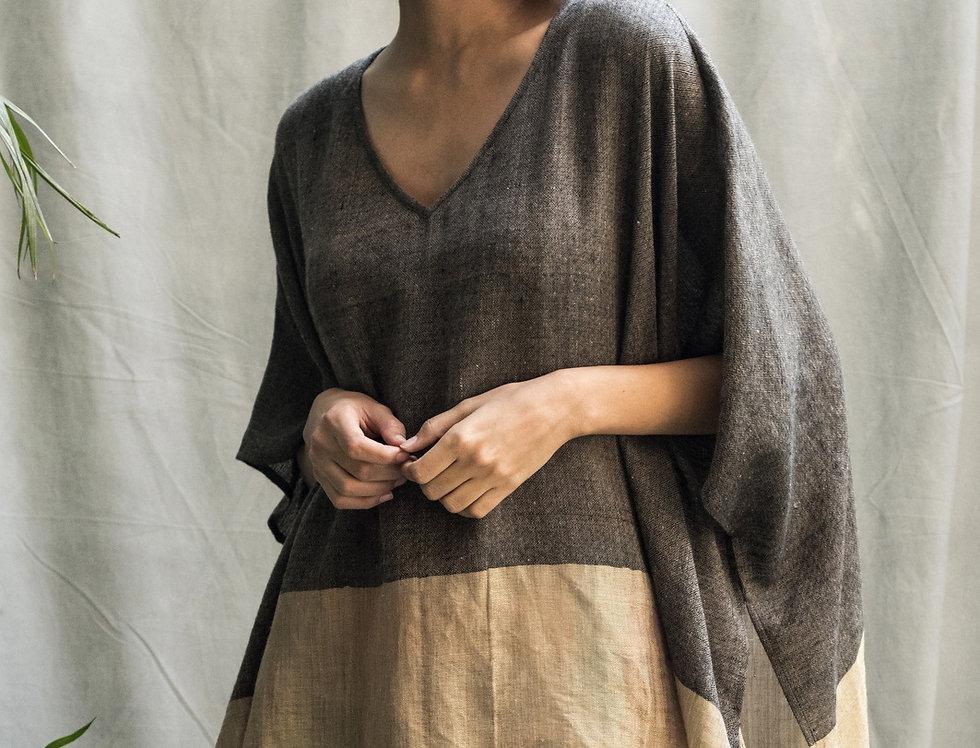 Pashmina V-neck Poncho | coal & gold