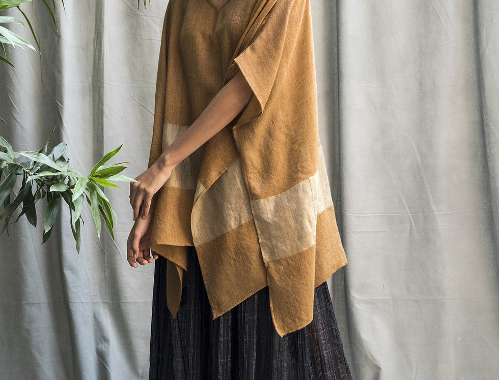 Pashmina V-neck Poncho | clay & gold