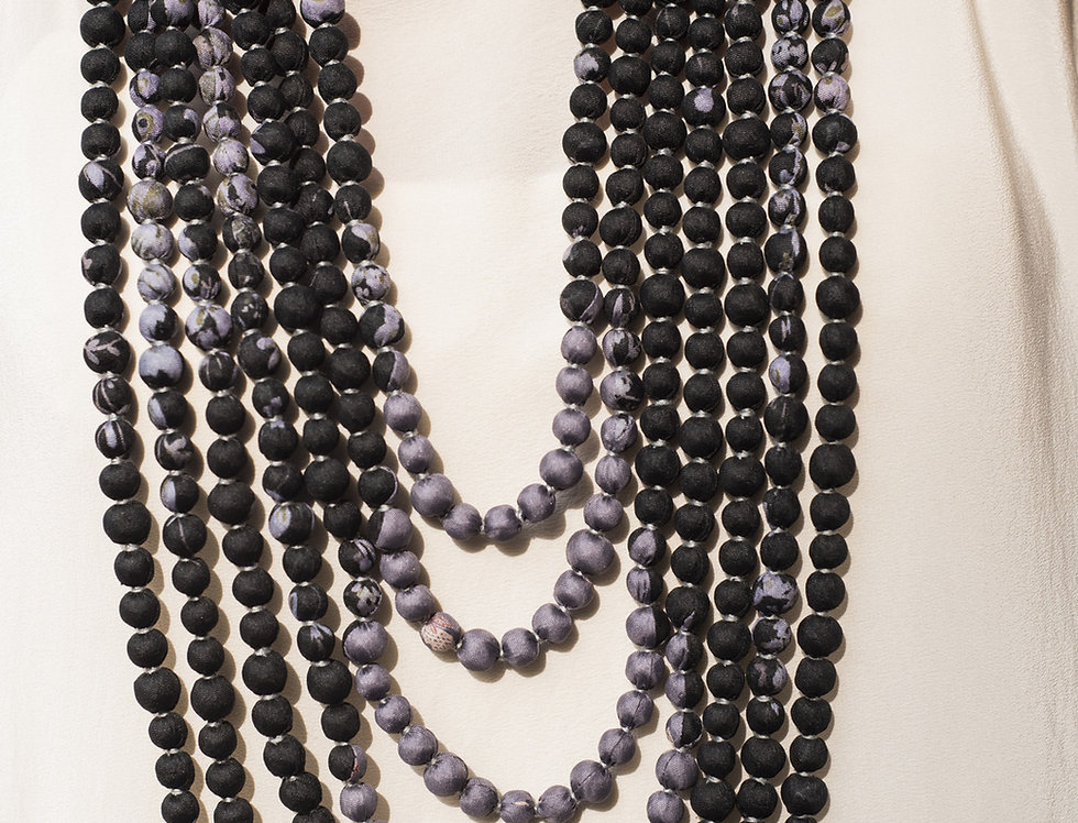Sari Bead Necklace - 7 string | floral black